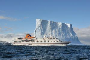Die Hanseatic in der Antarktis