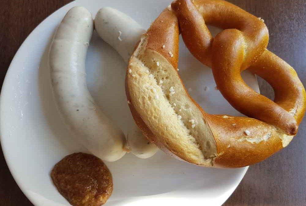 Weißwurstfrühstück bei travianet: Zuzeln vs. Besteck