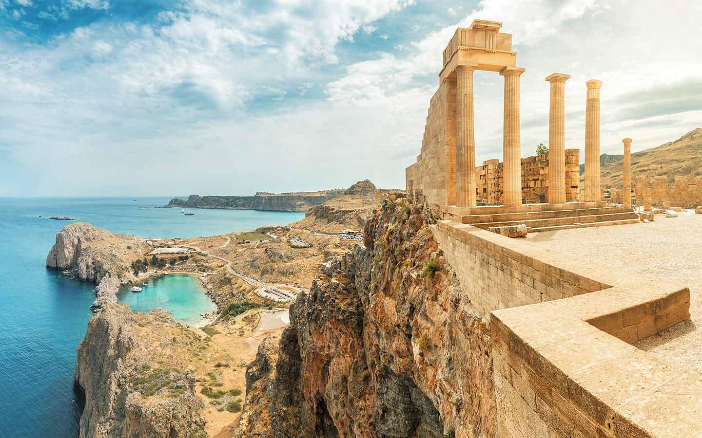 Griechenland mit seinen antiken Sehenswürdigkeiten ist heiß begehrt für den Urlaub 21.