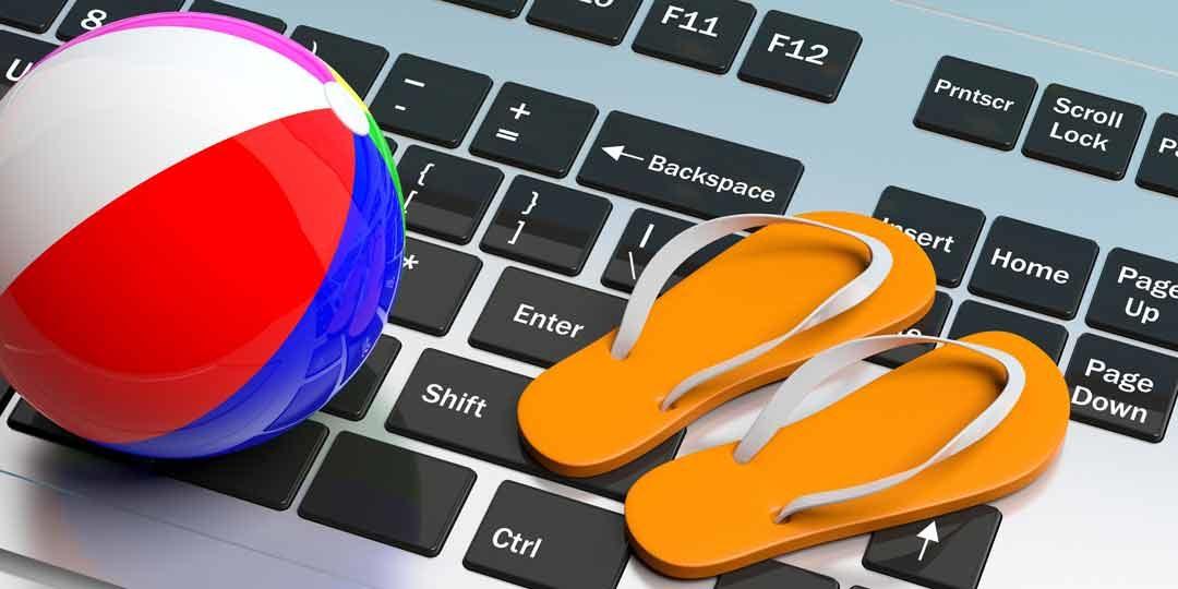 Mit dem eigenen Reiseportal über den Computer Geld mit dem Urlaub anderer verdienen